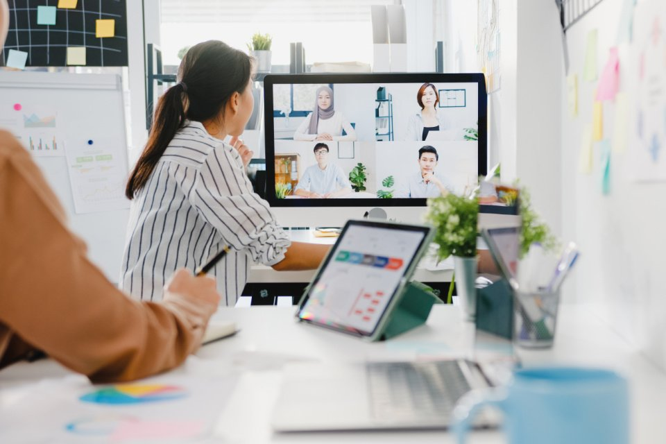 Hybrid working - the  top 5 people and culture challenges